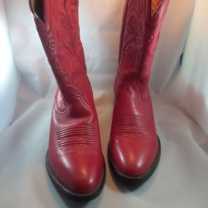 ARIAT RED WOMAN'S COWBOY BOOTS SIZE 6B NO WEAR (B1